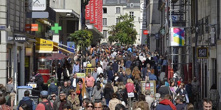 Rue commerçante du centre-ville